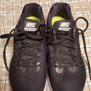 Nike Zoom Pegasus 33 Size 9.5
